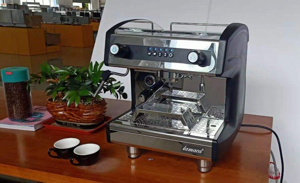 máy cà phê v8