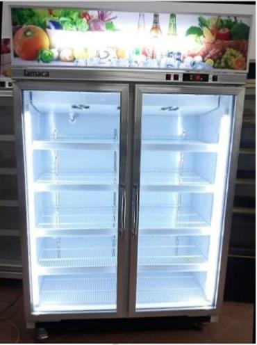 Tủ lạnh trưng bày hoa quả lamaca